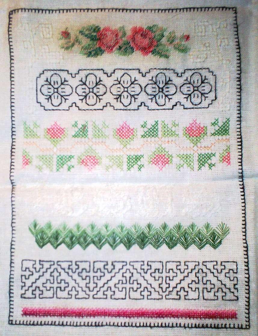Узоры на старинных полотенцах картинки